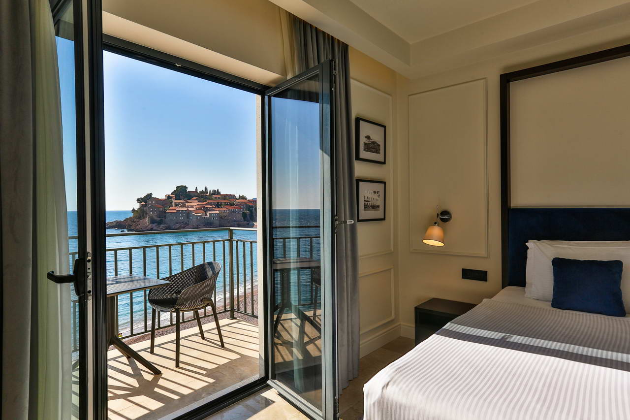 Queen double room with sea view